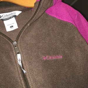 Sz L Columbia jacket w/ hood
